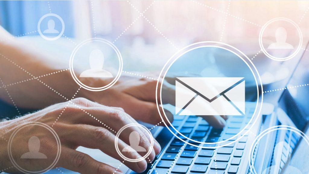 Ganar dinero leyendo correos electrónicos